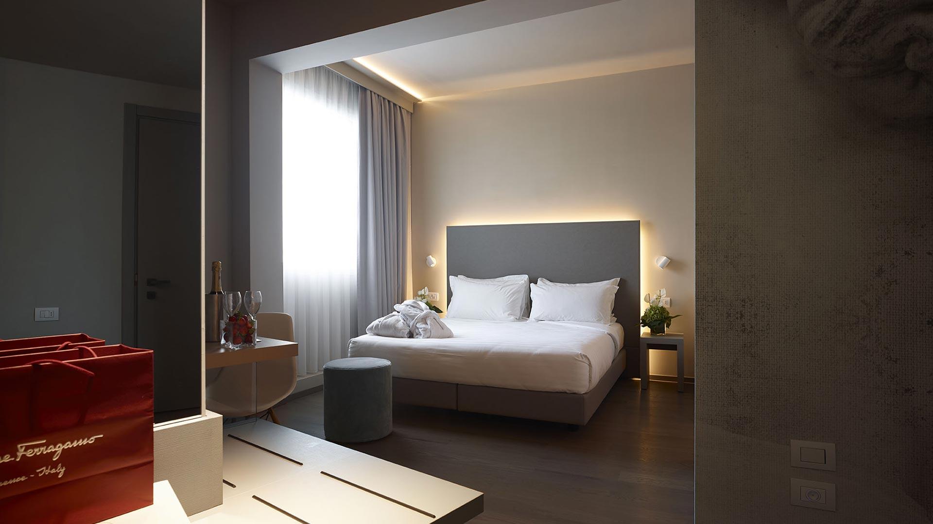 Hotel Glance