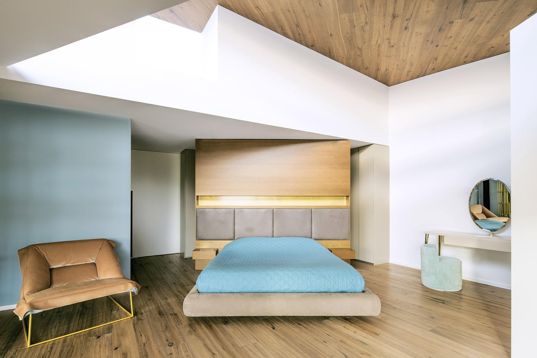 Progetto Cabrils - Parquet rovere Slide Tortora | Reserve Traccia | Decking Frassino